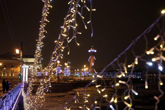новогоднее оформление Дворцовый мост стрелка Васильевского острова