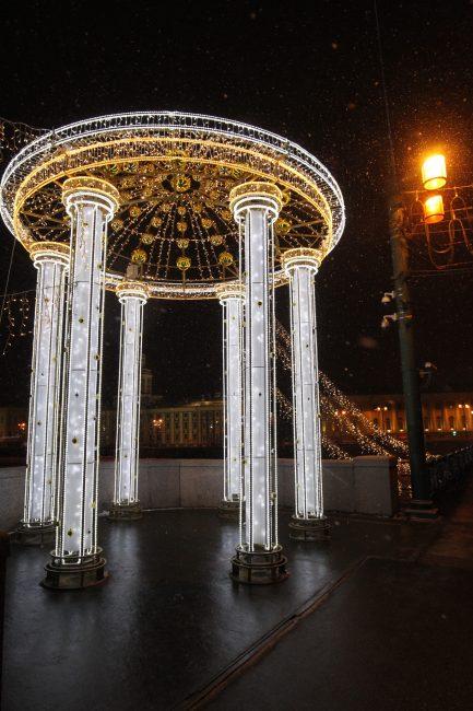 новогоднее оформление Дворцовый мост