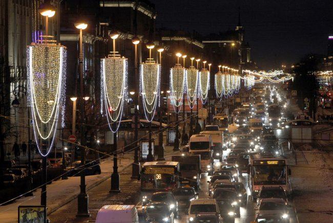 новогоднее оформление Московский проспект автомобильное движение пробка