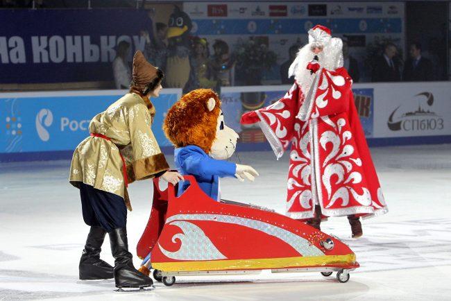 Чемпионат России по фигурному катанию открытие Дед Мороз