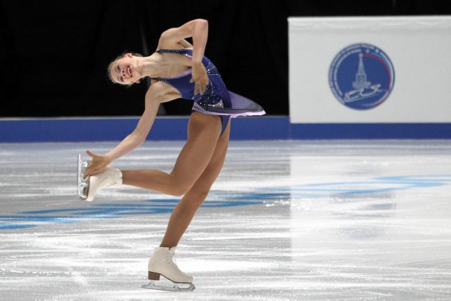 Чемпионат России по фигурному катанию девушки короткая программа