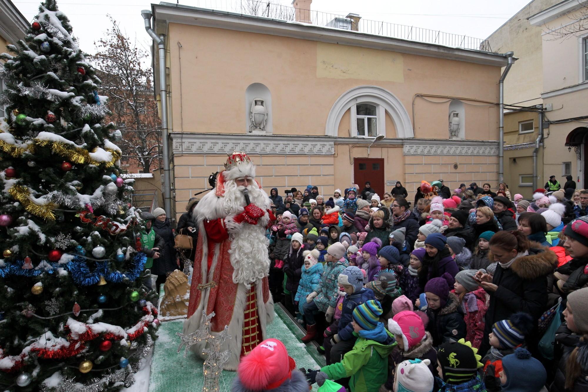 Дед Мороз детская городская больница № 2 имени Марии Магдалины
