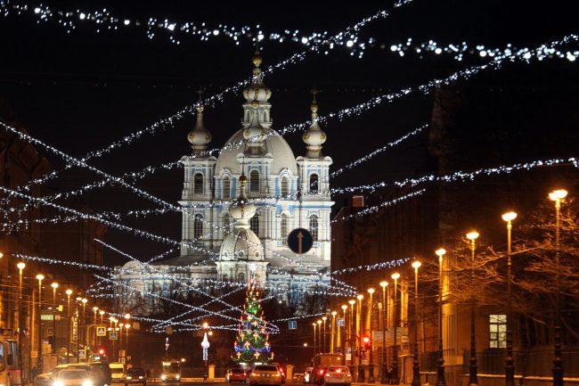 Суворовский проспект Смольный собор новогоднее оформление