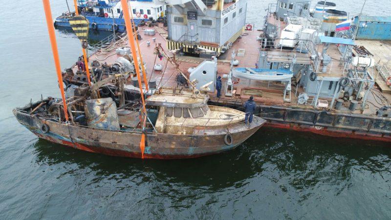 рыболовецкое судно Монни