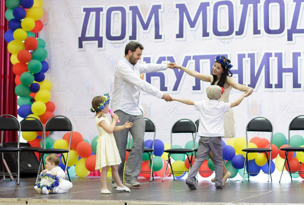 Бизнес-мама: как организовать концерт в Ледовом без ущерба семье