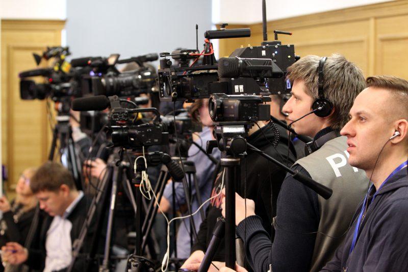 телекамеры телевидение журналисты