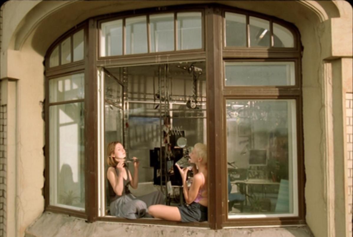 Сцены из фильма «Питер FM» Оксаны Бычковой