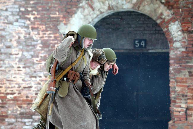 реконструкция Сталинградская битва Красная Армия раненые