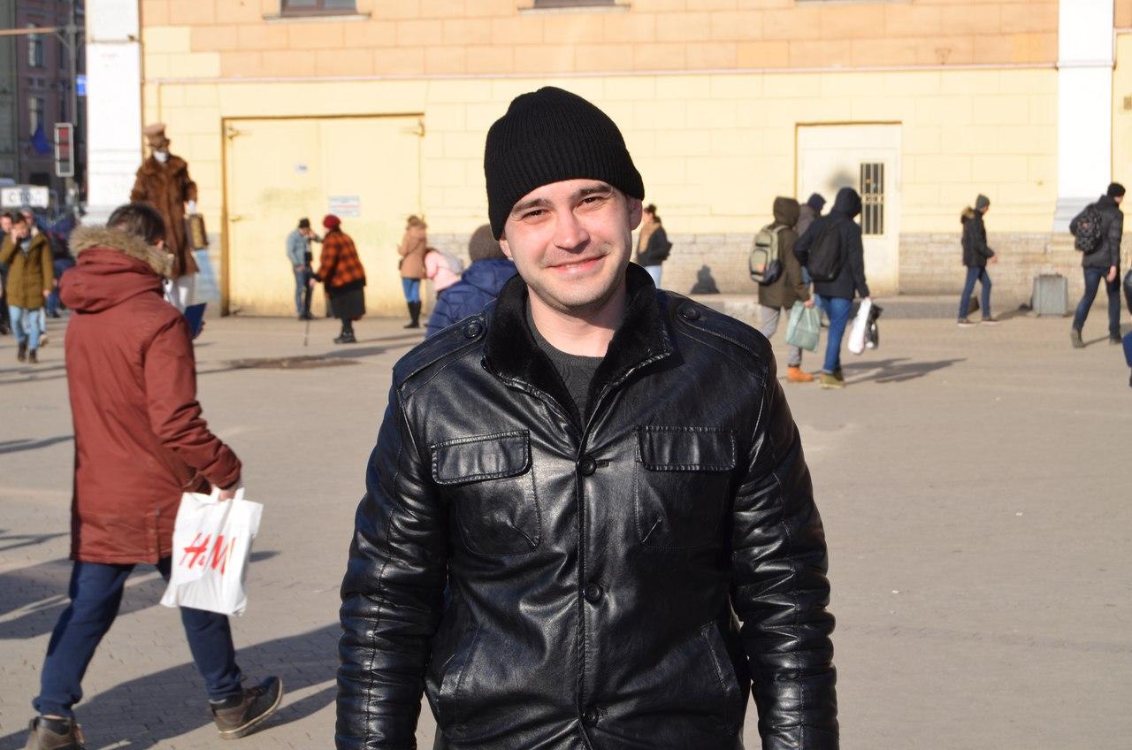 """""""Никто не симпатичен, кроме Путина. Хотя и он тоже"""": петербуржцы о президентских выборах"""