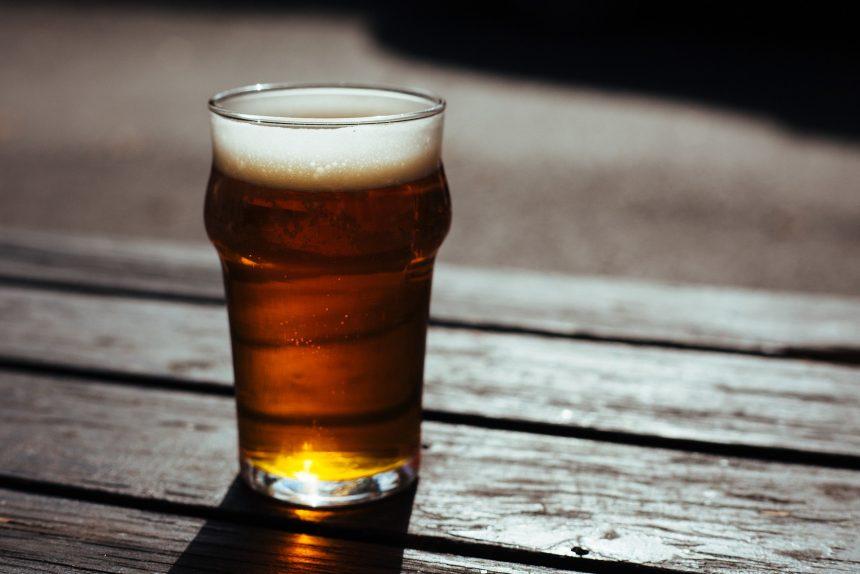 пиво бар паб алкоголь beer-2631467_1920