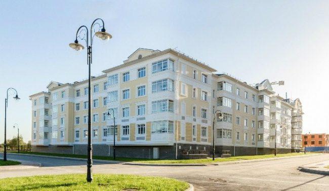 """Современное жильё для современных людей: квартиры, таунхаусы в ЖК """"Александровский"""""""