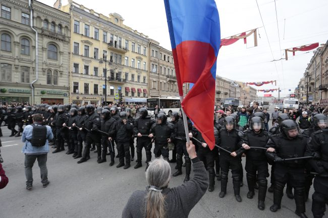 он нам не царь, навальный, путин, акция