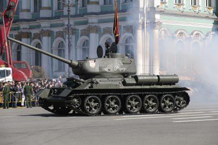 _MG_1880 день победы парад дворцовая  танк т-34
