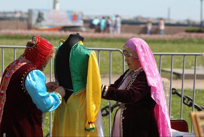 бал национальностей национальный костюм день города