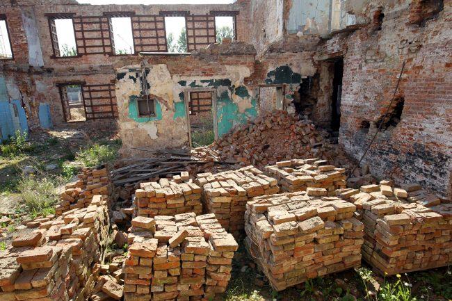 казармы Семёновского полка кирпичи развалины руины