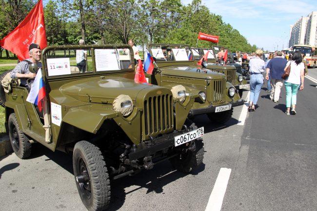 парад ретротранспорта военные автомобили