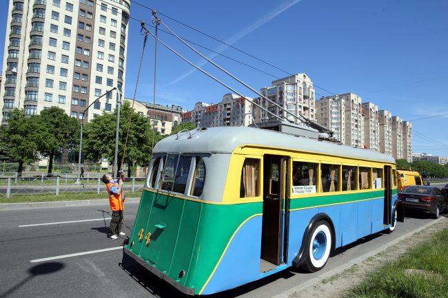 парад ретротранспорта троллейбус ятб-1