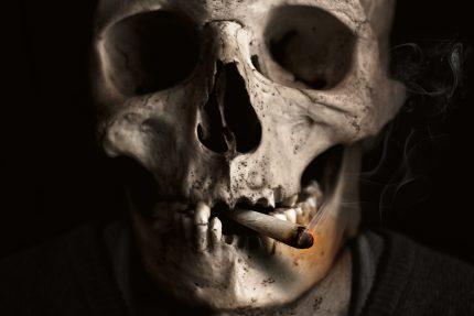 череп смерть курение сигарета