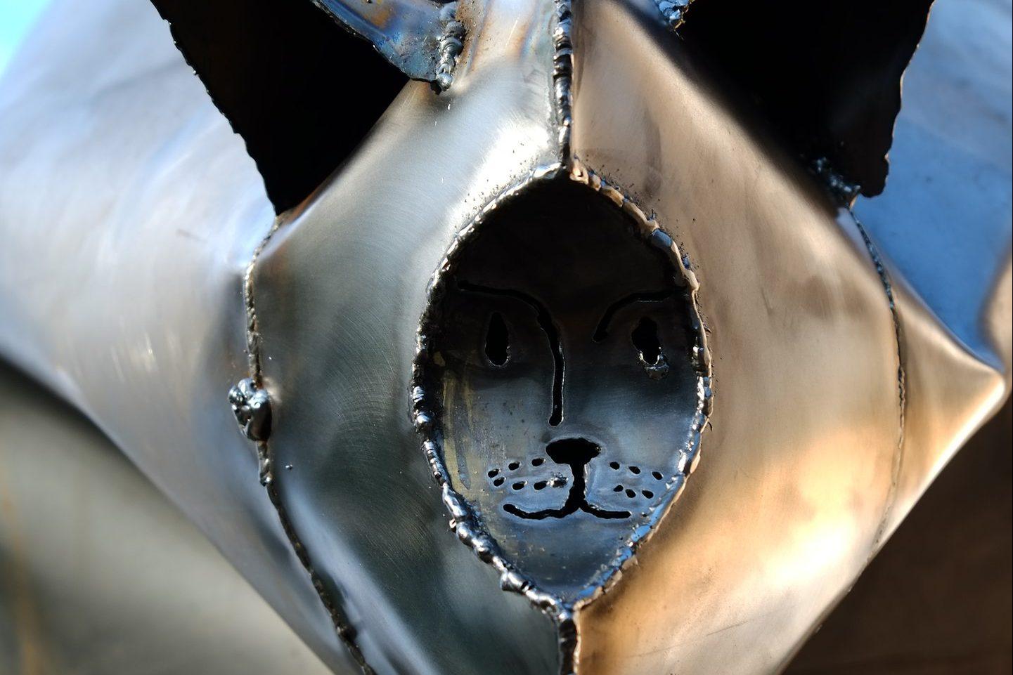Серый Кот скульптура кота
