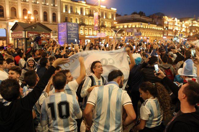 Сборная Аргентины выиграла у Нигерии со счётом 2:1