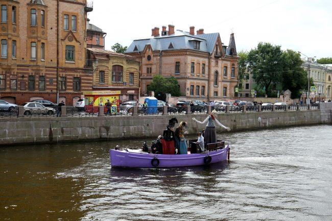 День Достоевского куклы лодка Мойка