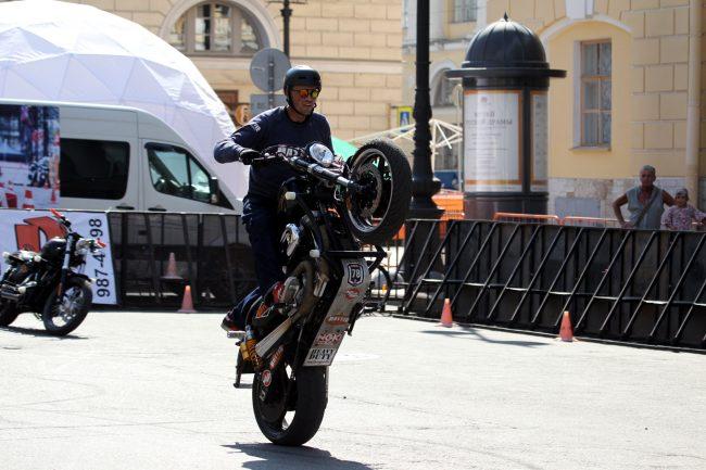 мотофестиваль Harley Days мотоциклы стантрайдинг трюки