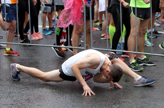 лёгкая атлетика бег полумарафон Северная столица спортсмен разминка зарядка