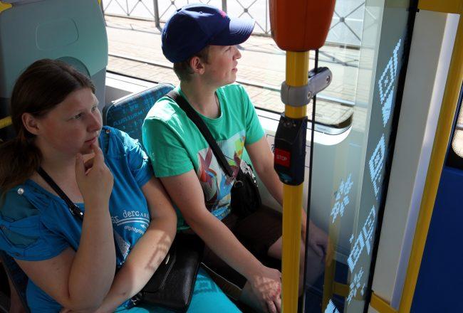 трамвай Метелица В85300М Штадлер Минск пассажиры