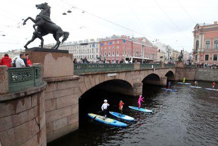 фестиваль Фонтанка SUP SUP-серфинг Аничков мост