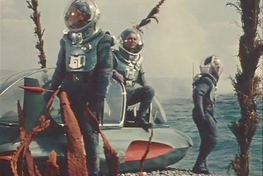 """кадр из фильма """"Планета бурь"""""""