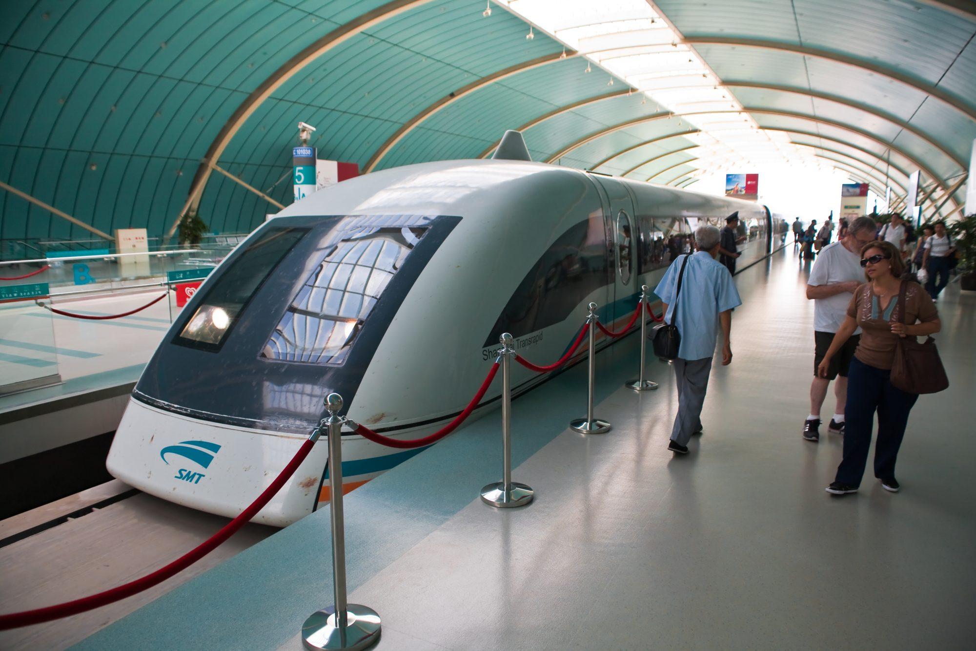 маглев поезд на магнитной подушке Шанхай