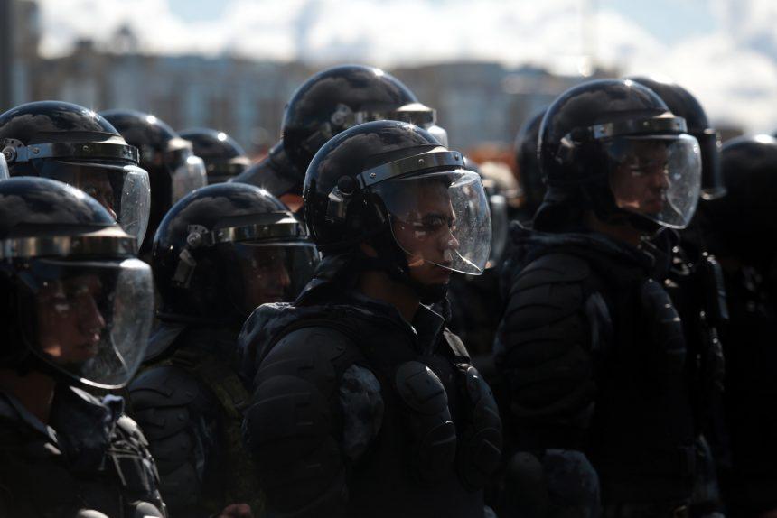 митинг против повышения пенсионного возраста акция протеста полиция ОМОН