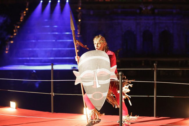 фонтаны закрытие фонтанов петергоф сцена актёр танец танцор