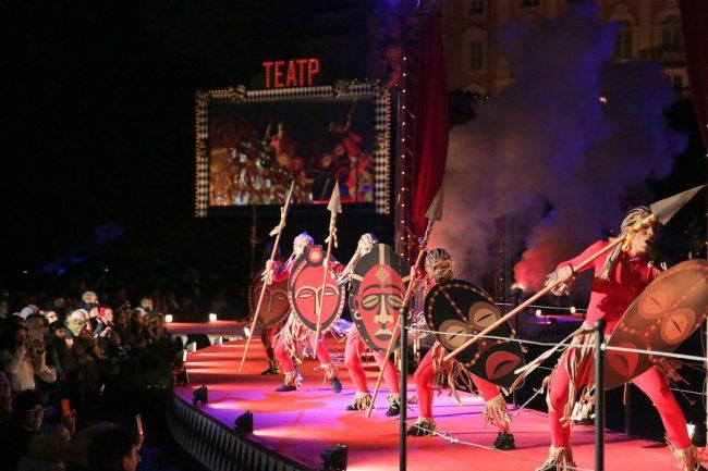 фонтаны закрытие фонтанов петергоф сцена актёры