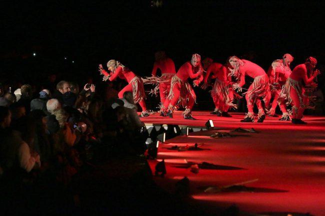 фонтаны закрытие фонтанов петергоф сцена танец танцоры