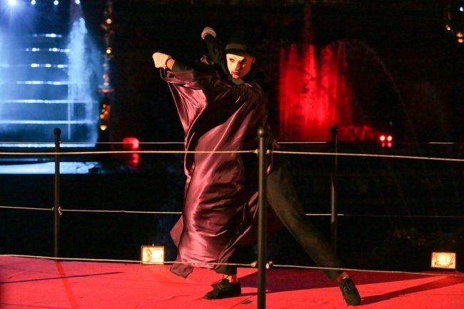 фонтаны закрытие фонтанов петергоф театр сцена актёр танец танцор