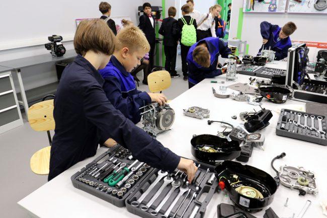 академия цифровых технологий дети школа образование обучение моторы механики