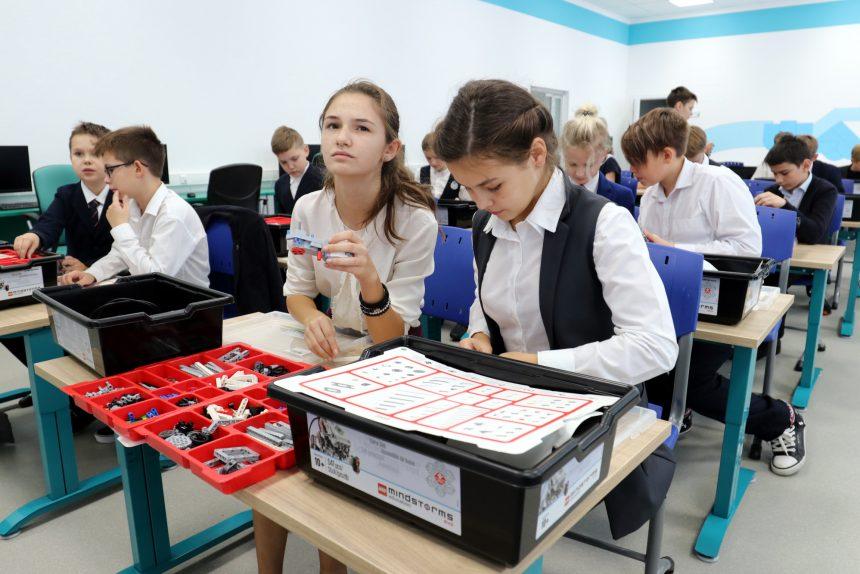 академия цифровых технологий дети школа образование обучение конструктор