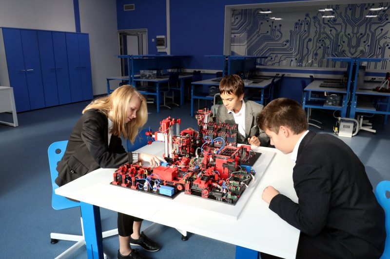 академия цифровых технологий дети школа образование обучение моделирование