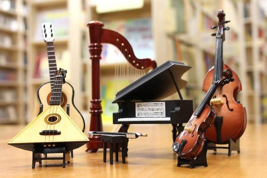 музыка оркестр музыкальные инструменты балалайка гитара укулеле арфа рояль скрипка виолончель
