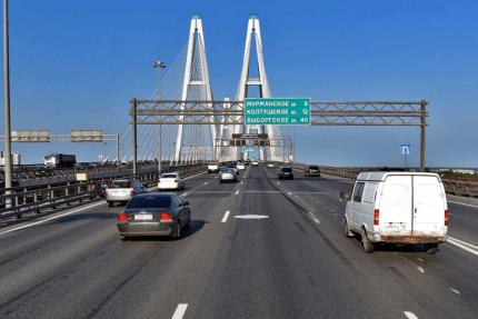 Вантовый Большой Обуховский мост КАД Кольцевая автодорога автомобили