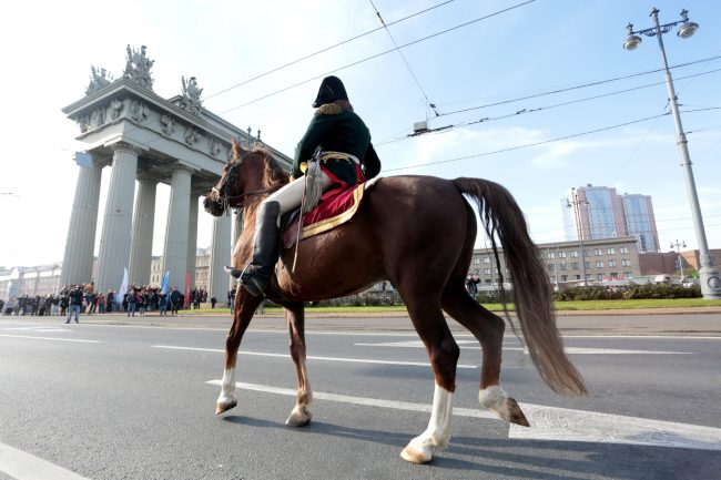 реконструкторы Московские ворота кавалерия лошадь конница