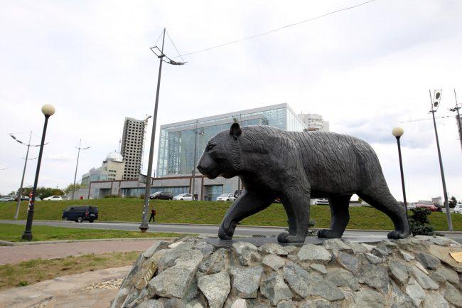Владивосток Мариинский театр Приморская сцена памятник тигру