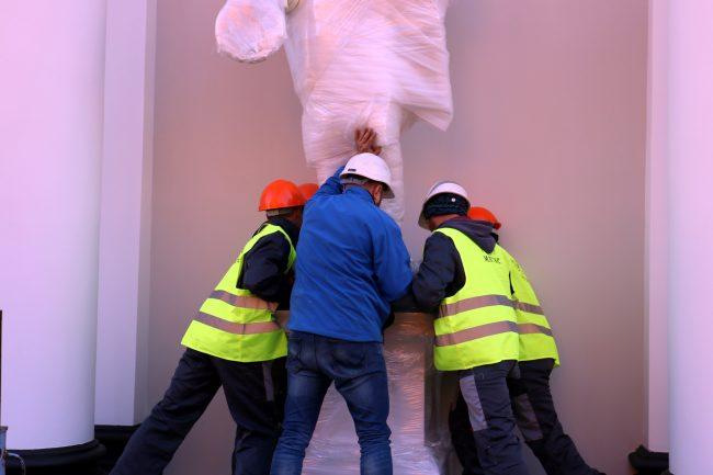 реставрация скульптуры воинов южный садовый павильон Аничкова дворца