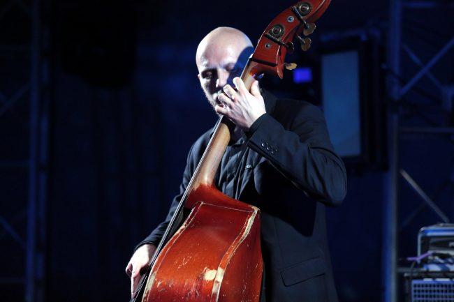Вселенная звука планетарий культурный форум концерт контрабас