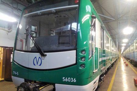 поезд зеленый вагон метро