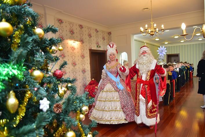 Хоровод да подарки: где в Петербурге пройдут новогодние ёлки