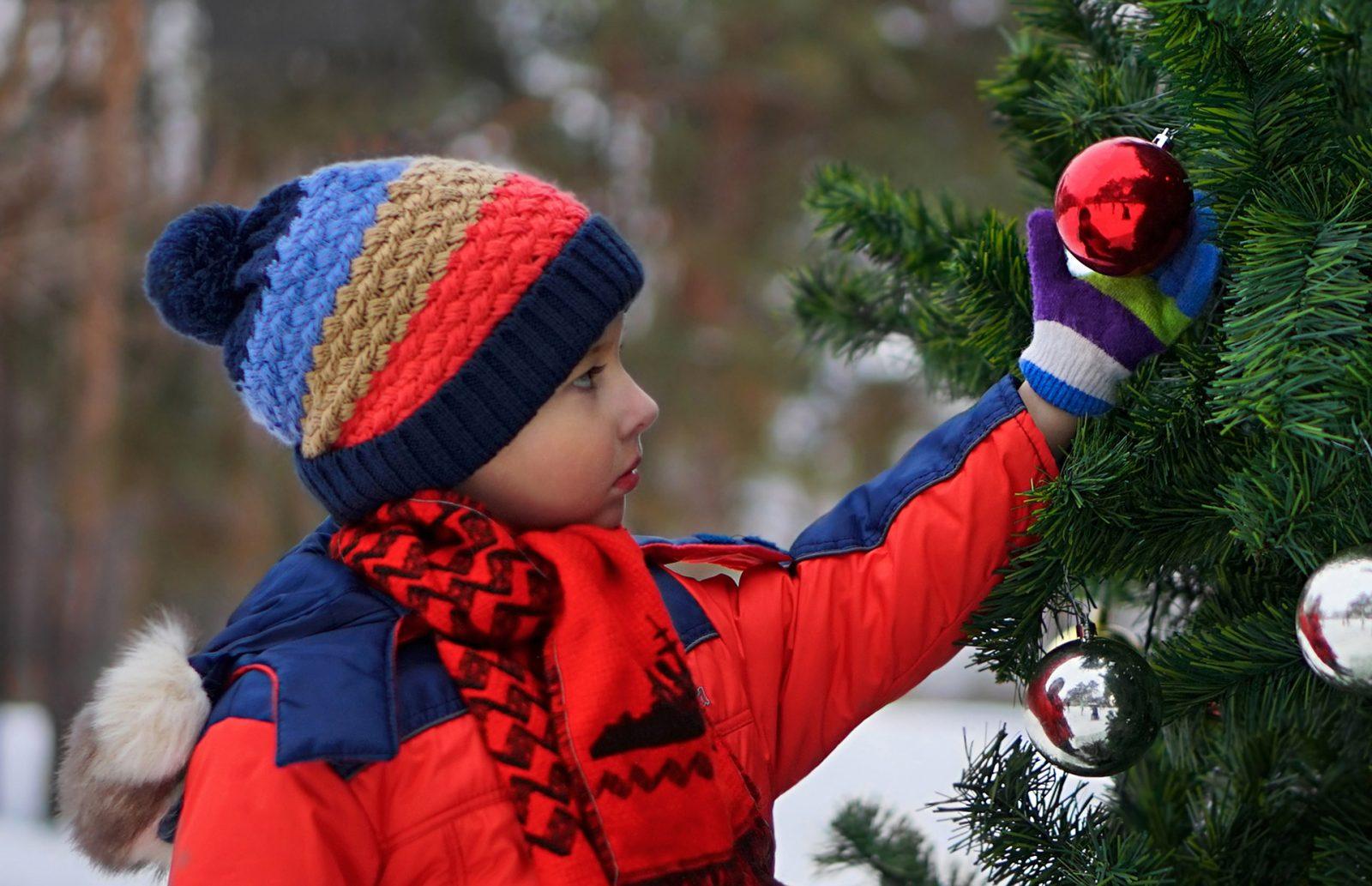 ребенок, Новый год, елочные игрушки