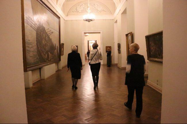 Стражи музеев: история, судьбы и повседневная жизнь смотрителей