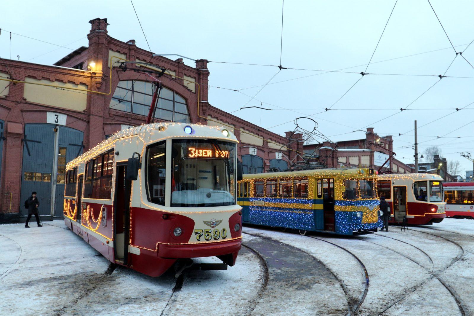 трамвай № 3 новогоднее оформление праздничное украшение